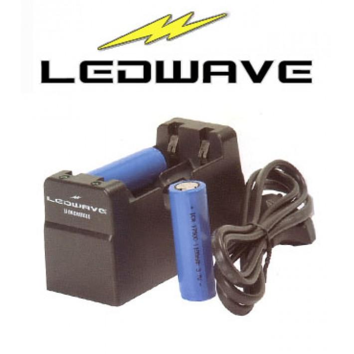 Cargador Ledwave europeo para pilas recargables 17500